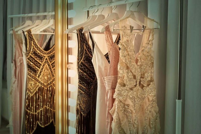 Eine scheinbar unendliche Auswahl an bezaubernden Kleidern